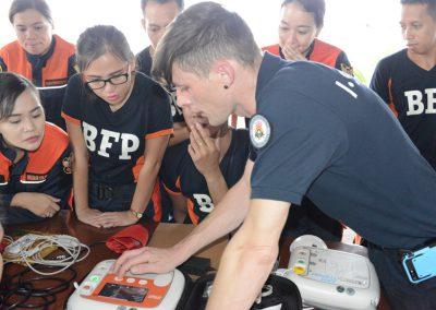 Die professionelle Wiederbelebung stand im Mittelpunkt eines Lehrgangs von I.S.A.R. Germany und des Fachbereiches Humanitäre Hilfe des BRH bei der Feuerwehr in der philippinischen Stadt Tacloban.