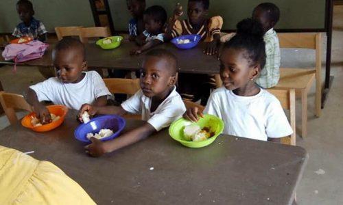 Neue Schule für Kinder in Bosomabena