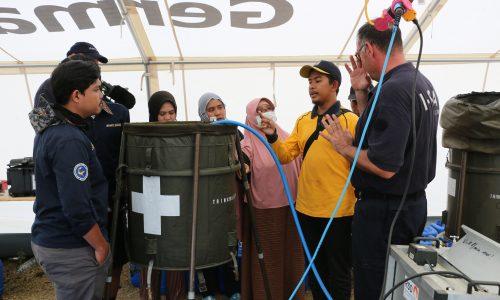 Wasseraufbereitung für Erdbebenopfer übergeben